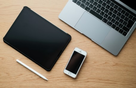 電源が入らないiPhone買取可能です!液晶画面ガラス割れiPhone高額買取中!